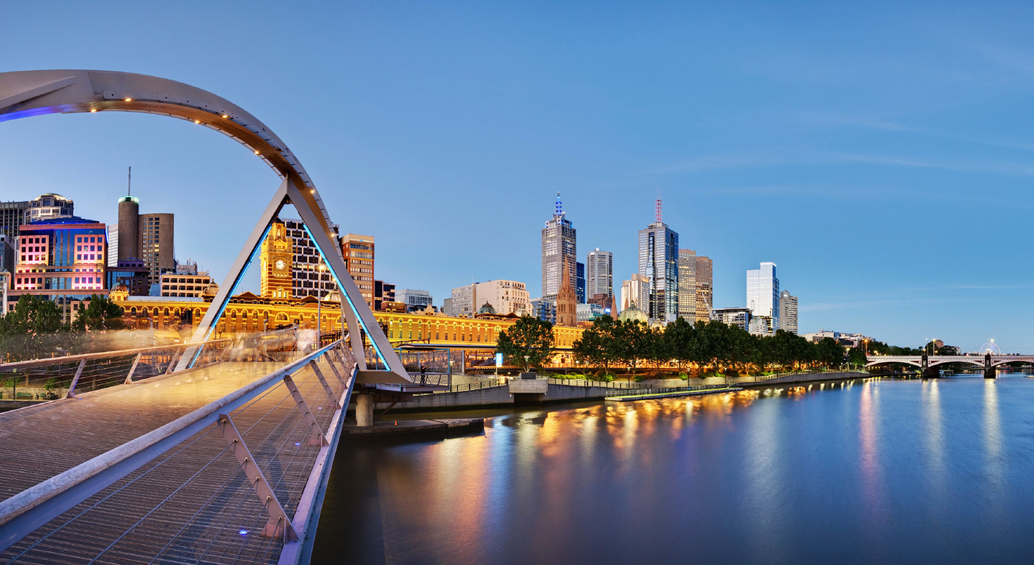 Yarra and Melbourne Skyline